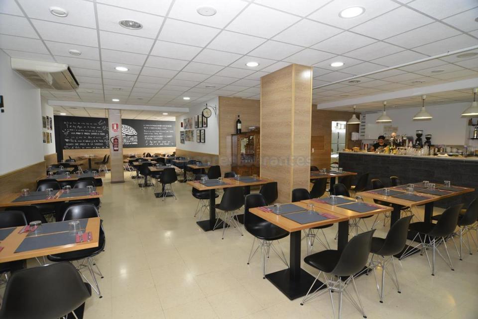 Interior del Restaurante A la Cazuela de Viladecans