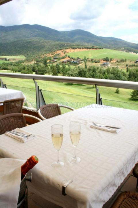 Aravell Restaurant