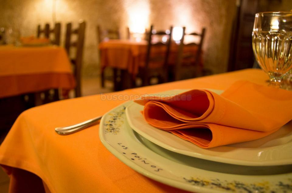 Restaurante Cueva Los Poinos