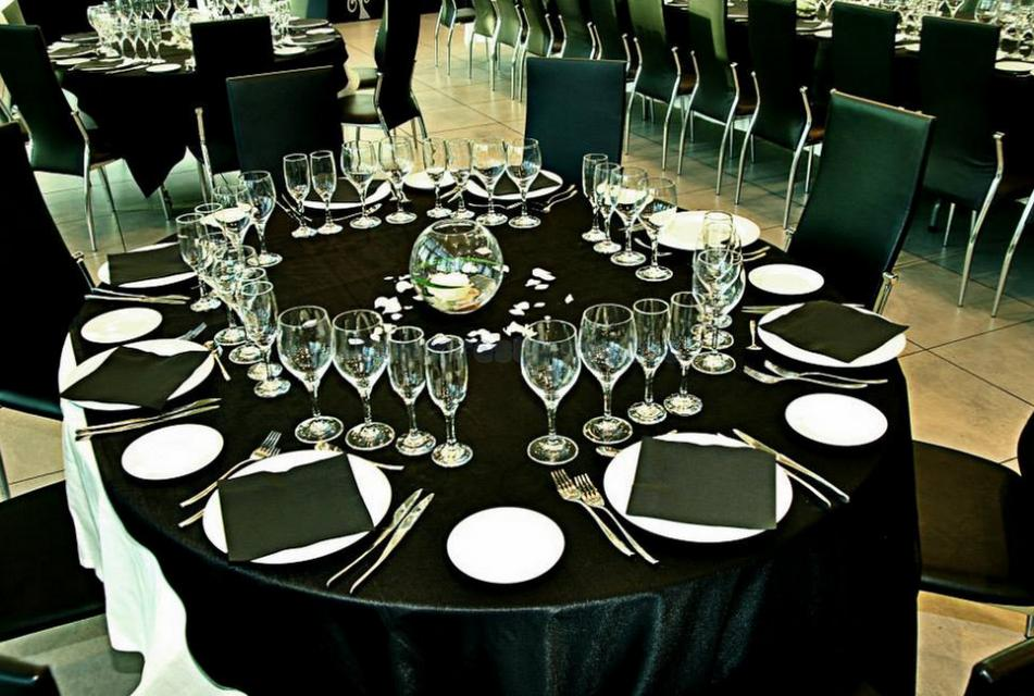 El Faro Lounge & Restaurant