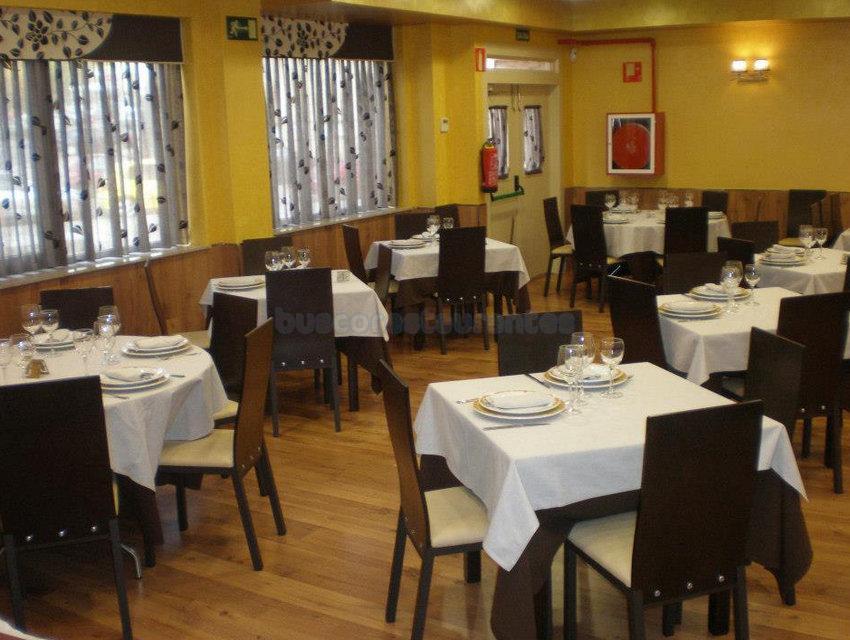 Restaurante el puerto fuenlabrada for Restaurante puerto rico madrid