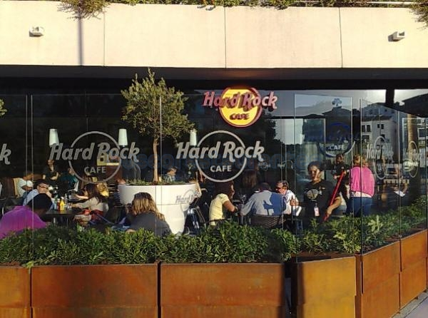 restaurante hard rock caf marbella marbella. Black Bedroom Furniture Sets. Home Design Ideas