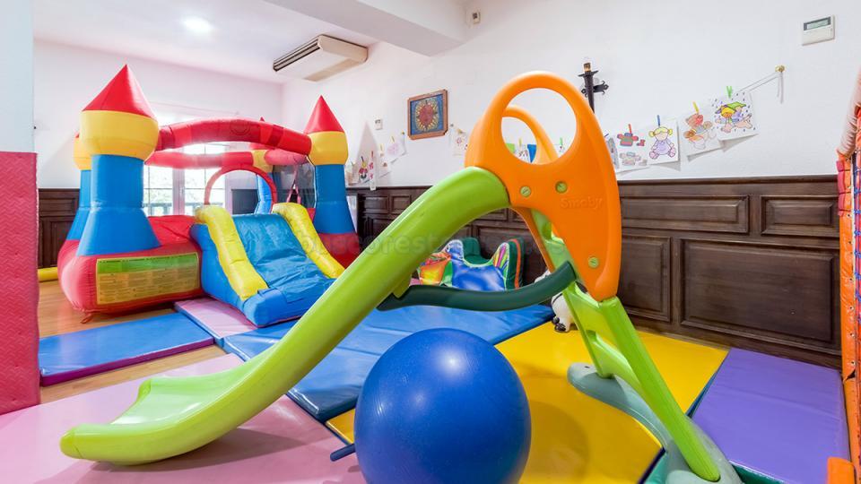 Las Perdices I : Zona Infantil