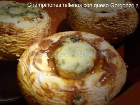 Champiñones rellenos con queso Gorgonzola
