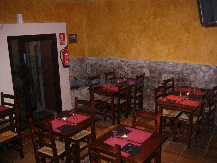 Restaurante pizzer a el punt monistrol de montserrat - Restaurante al punt barcelona ...