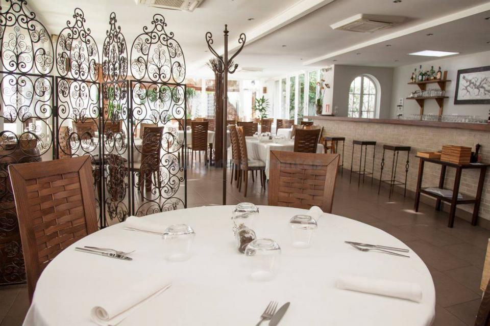 Rels Restaurant