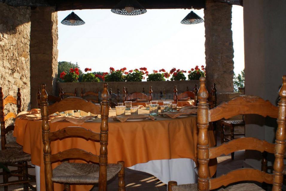 Restaurante restaurant mas a la roca taradell for Restaurante la roca
