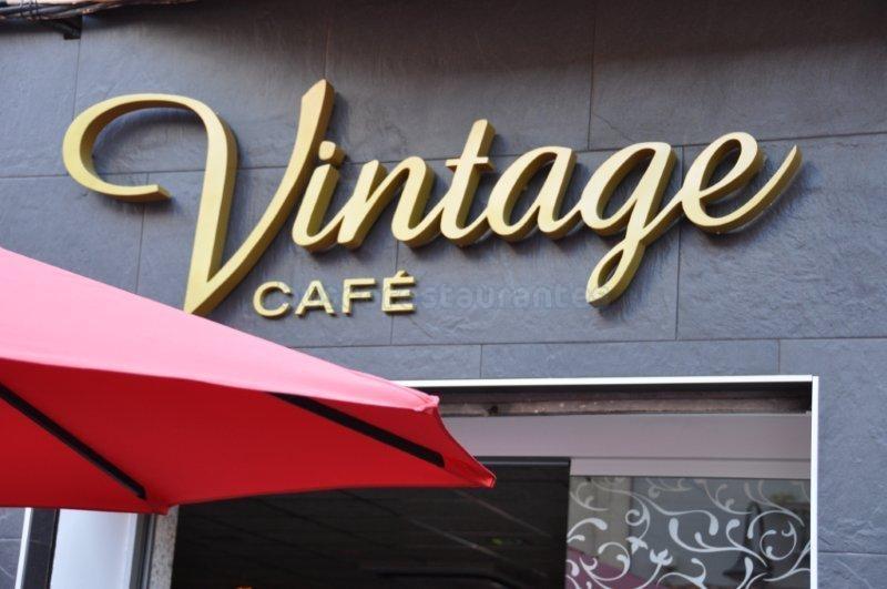 Vintage Café Crêperie